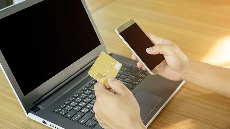 クレジットカードのショッピング枠の小さいカードは現金化しないこと